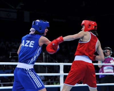 Azerbaijan`s female boxer qualifies for semifinal