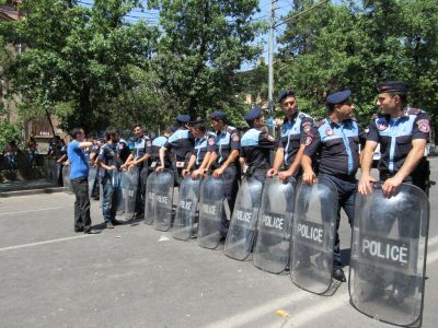 Protests continue in Yerevan