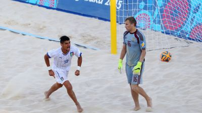 Italy stun Russia to set up tense Beach Soccer finale