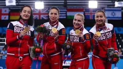 Russians cruise to women's team foil gold