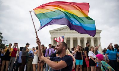 Gay marriage legalized in all states of America