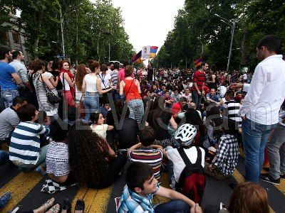 Protests in Armenia: Rallies being held in all cities in support of Yerevan protests