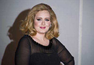Adele joins Beckhams for dinner date