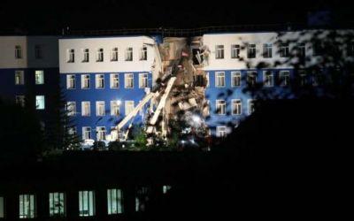 Число погибших при обрушении казармы в Омске достигло 13 человек