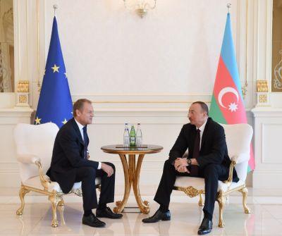 Состоялась встреча Ильхама Алиева и президента Евросовета один на один