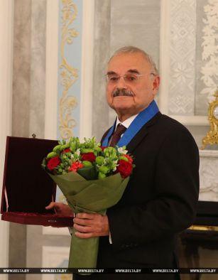 Лукашенко вручил премьер-министру Азербайджана орден Дружбы народов