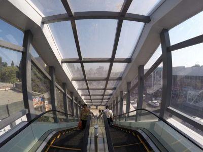 Сдан в эксплуатацию новый надземный пешеходный переход ФОТО