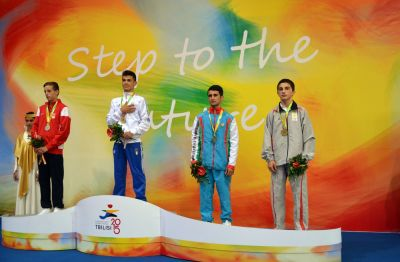 Yeniyetmə cüdoçularımız üç medal qazanıblar