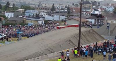 Dünya rekordu: -  yük maşını 50 metr uçdu