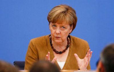 Angela Merkelin sükanı əldən vermək fikri yoxdur