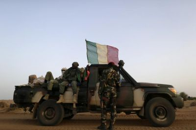 Attack on Mali camp: 10 soldiers killed