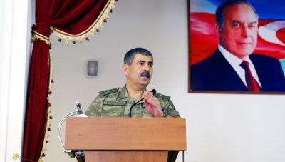 Закир Гасанов провел совещание на фронте ФОТО