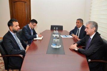 Али Ахмедов встретился с послом Великобритании в Азербайджане