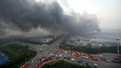 Количество погибших пожарных при взрыве в Тяньцзине увеличилось до 21