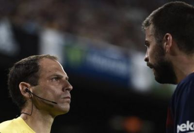 Пике оскорбил мать арбитра на матче Суперкубка Испании