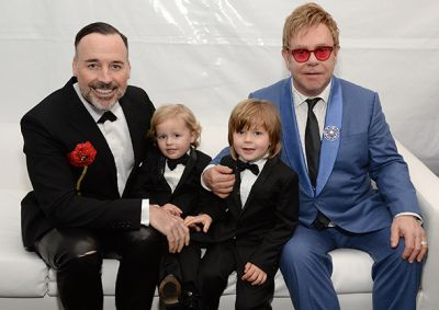 Elton John ends feud with Dolce and Gabbana