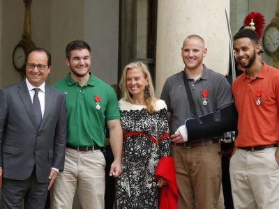 France honors men who stopped train attacker