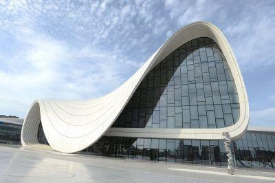 «Точки зрения» в Центре Гейдара Алиева
