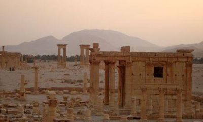 IS shows images of ancient Syrian temple destruction