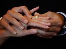 Мужчинам рекомендовали вступать в браки с имеющими старших сестер женщинами