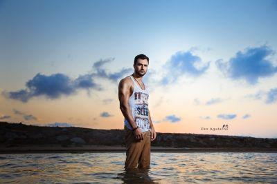 Azərbaycanın ən yaraşıqlı oğlanı boşandı - FOTOLAR