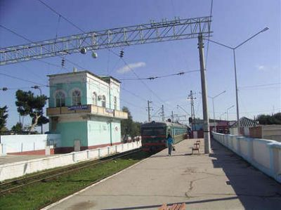 После землетрясения проверяют состояние железных дорог