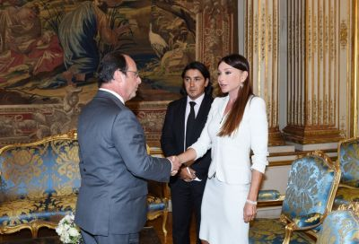 Azerbaijan's First Lady meets with French President