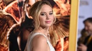 Jennifer Lawrence admits she Googles herself