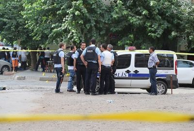 3 Turkish policemen injured in terror attack