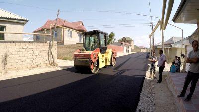 Завершается ремонт одной из улиц в бакинском поселке ФОТО
