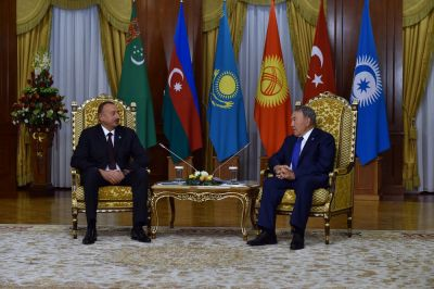 Azerbaijani President meets with his Kazakh counterpart