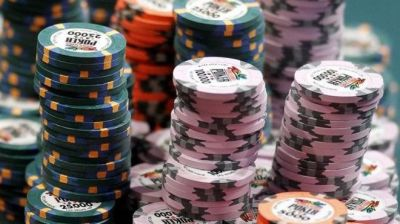 Poker players targeted by card-watching malware