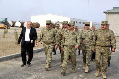 Закир Гасанов ознакомился с ходом строительства воинских частей в прифронтовой зоне