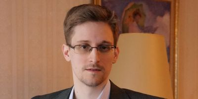 Snowden hits 1 million Twitter followers