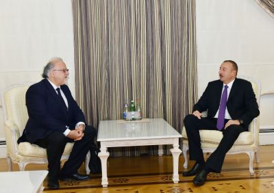 Azerbaijani President receives the outgoing French Ambassador