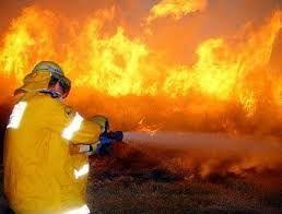 Сгорел дом, один человек пострадал