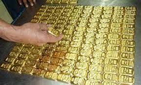 A passenger detained with 4 kg  gold