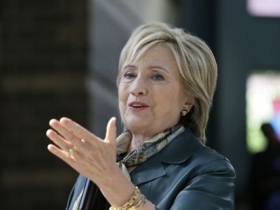 Hillary Clinton announces opposition to Pacific trade pact