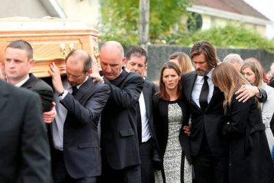 Jim Carrey post poignant final tribute to Cathriona White on Twitter