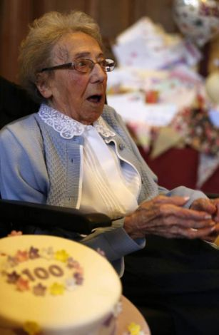 British widow sent 16,000 cards for 100th dies