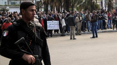 Egypt: 10 people to death for Qaeda links