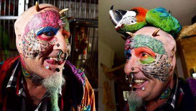 Мужчина отрезал себе уши, чтобы стать похожим на попугая ФОТО