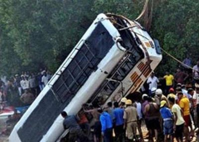 India: 15 dead, 10 injured in road accident
