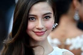 Актриса подверглась медпроверке из-за подозрительно красивого лица