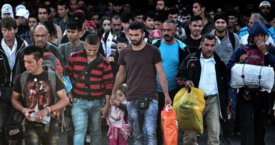 Thousands of refugees held on the Slovenian border