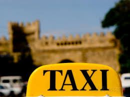 Taxi drivers under the age of 21 can't get driving license