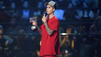 Bieber dominates MTV Europe music awards