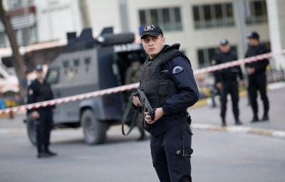Двое полицейских погибли в перестрелке с боевиками ИГ в Турции