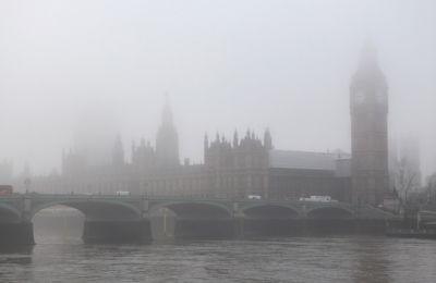 На Лондон опустился рекордный туман