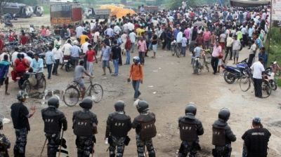 Nepal police shoot dead Indian protester at border